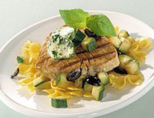 Gegrilde tonijn met basilicumboter